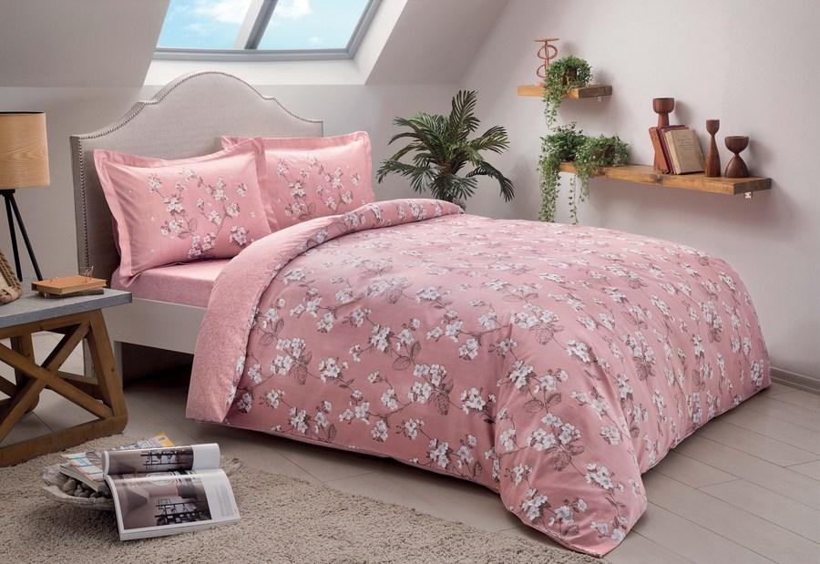 В розовой постели